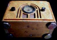 Antique Art Deco Era Silver Bell Tube Radio Bakelite Handle Birdseye
