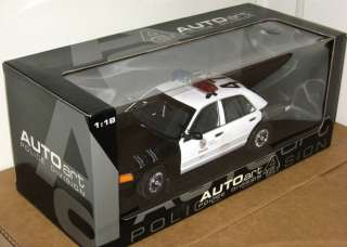 Angeles Police Car Ford Crown Victoria P71 Interceptor 118 MIB