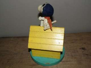 Snoopy Flying Ace Red Baron Dog House Music Box Needs Repair in good