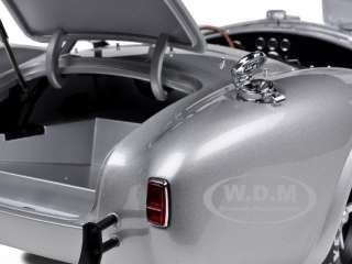 SHELBY COBRA 427 S/C SILVER 112 KYOSHO MODEL CAR
