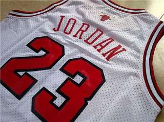MICHAEL JORDAN Chicago Bulls jersey SWINGMAN White #23