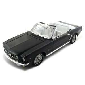 1964 1/2 FORD MUSTANG BLACK 118 AMERICAN GRAFFITI Toys
